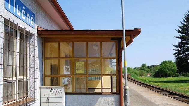 Železniční stanice v Tlučné