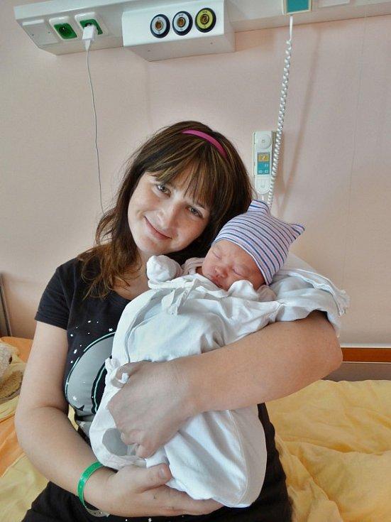 Eliška Matoušová se narodila 21. listopadu ve 14:52 mamince Veronice a tatínkovi Ondřejovi zPlzně. Po příchodu na svět vplzeňské FN vážila jejich prvorozená dcerka 4120 gramů a měřila 53 centimetrů.