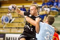 Jakub Tonar (černý dres)