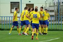 Fotbalisté SK SENCO Doubravka doma otočili zápas se sedlčanským Tatranem, který díky gólu Roubala z 89. minuty utkání udolali 3:2.