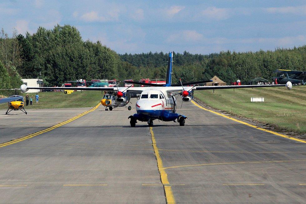 Letecký den na letišti v Líních