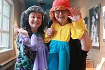 Autorka a dramaturgyně. Eva Papoušková (vlevo) a Petra Kosová, dramaturgyně Divadla Alfa