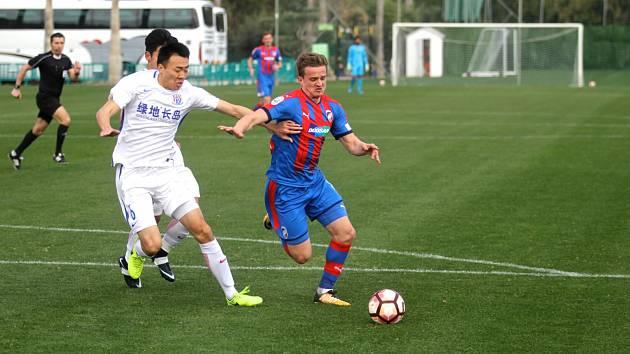Fotbalisté Viktorky se ve středu na soustředění ve Španělsku utkali s čínským klubem Šanghaj Šen-Chua.