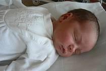 Lucia Venitová a Martin Čech zČernošína mají velikou radost, protože se jim vplzeňské fakultní nemocnici 4. dubna v19.28 hod. narodil prvorozený syn Samuel (3,73 kg, 54 cm)