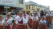 Plzeňská Mladinka na 25. ročníku Dětského mezinárodního folklorního festivalu Kunovské léto.