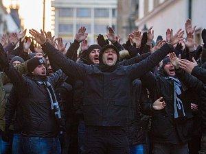 Fanoušci klubu FK Partizan Bělehrad prošli Plzní