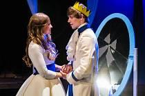 Andrea Pavlovičová navrhla kostýmu pro pohádku Co takhle svatba, princi?, kterou minulý týden premiérově uvedlo Divadlo J. K. Tyla v Plzni.