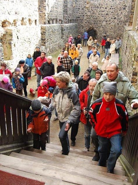 První návštěvníci jihoplzeňského hradu Radyně.