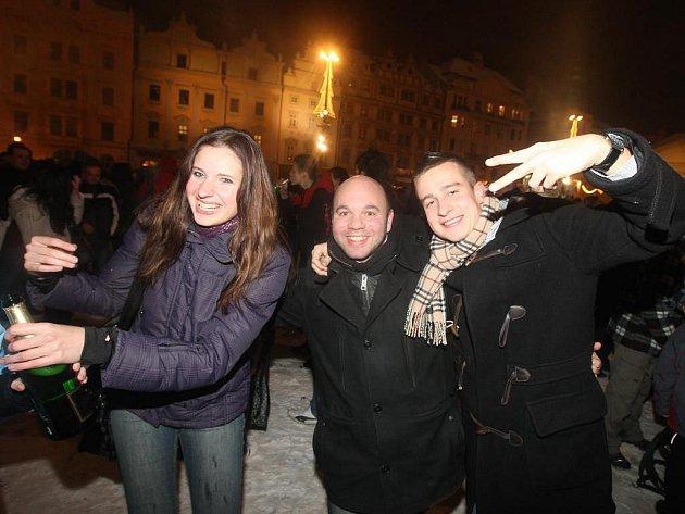 Plzeň přivítala rok 2011 ohňostrojem na náměstí Republiky