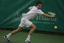 Dnes startuje v Plzni kvalifikačními zápasy halové mistrovství České republiky v tenise mužů. Na nejvyšší mety si brousí zuby také Dominik Süč z TC VŠ Praha (na snímku), který v minulém ročníku tohoto turnaje obsadil třetí příčku