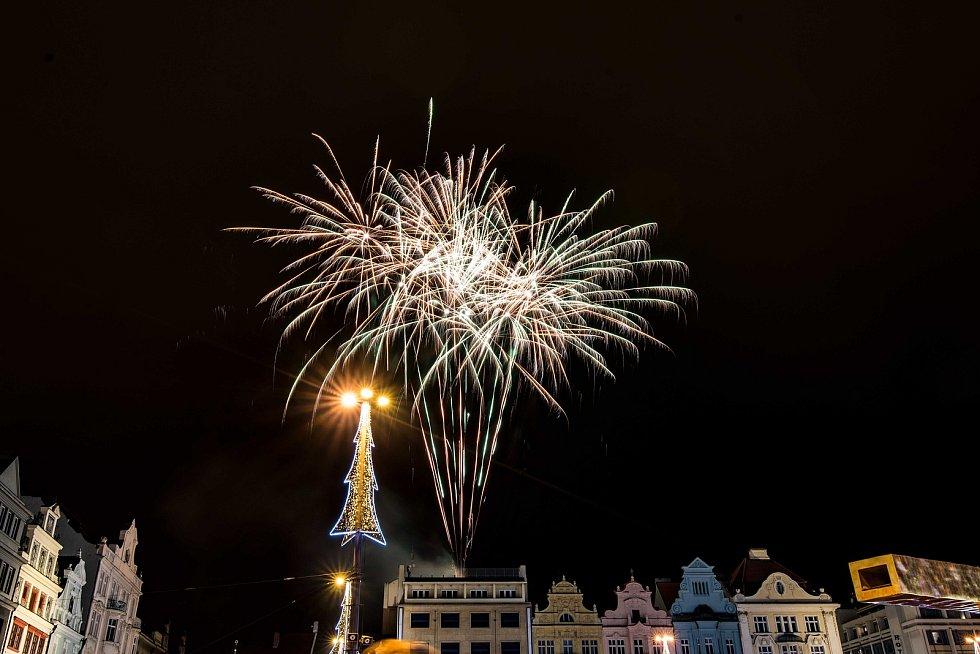 Zahájení adventních trhů na náměstí Republiky v Plzni.