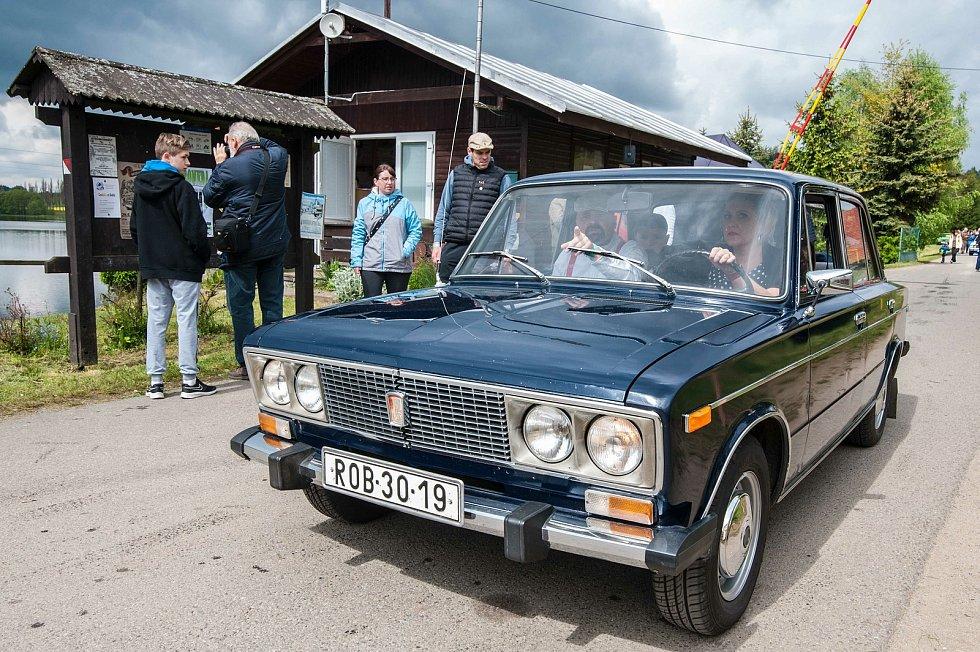 Sraz socialistických vozidel v kempu Hnačov.