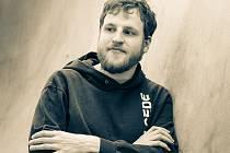 První herecké zkušenosti získal Lubomír Bajcura na střední škole, kde navštěvovat dramatický kroužek. Další příležitost dostal právě díky Dr.amSu.