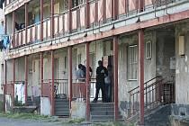 Romské ghetto v Jateční ulici v Doubravce