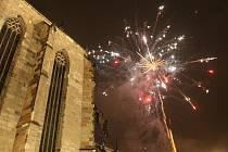 Silvestrovské oslavy na náměstí Republiky v Plzni.