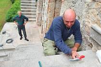 Záchrana a rekonstrukce jižní terasy zvané sala terrena z roku 1880 začala v loňském roce a skončí v roce 2017. Vyjde na tři miliony korun