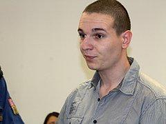 Jana Brunclíka přivezla k soudu eskorta z vazební věznice.