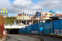 Ani v nedávno znovuotevřeném Kauflandu na Roudné v pátek nenakoupíte.