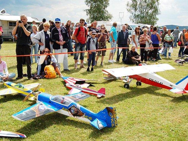 Letecko modelářská show se uskutečnila na letišti v Novém Dvoře u Boru