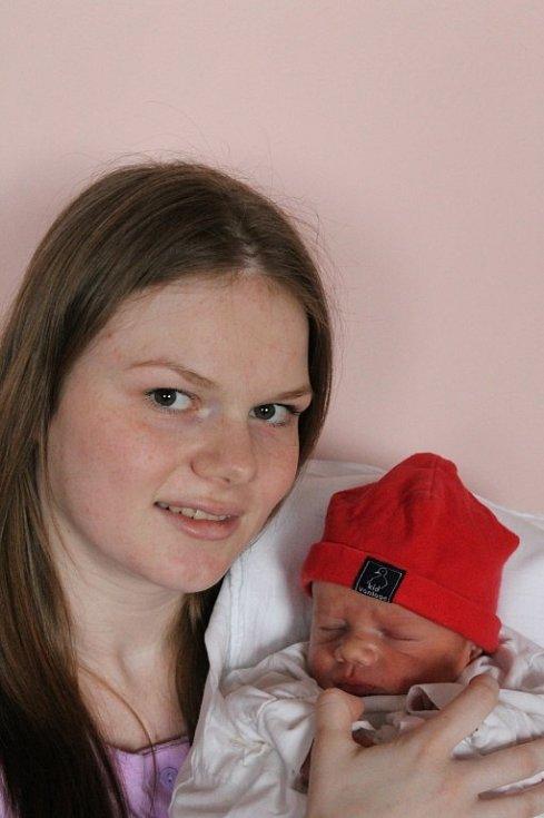 Maminka Michaela Šmídlová a tatínek Vojtěch Procházka z Kaznějova mají radost z narození svého prvního syna Marka (3,38 kg, 52 cm), který přišel na svět 3. dubna ve 14:24 ve FN v Plzni