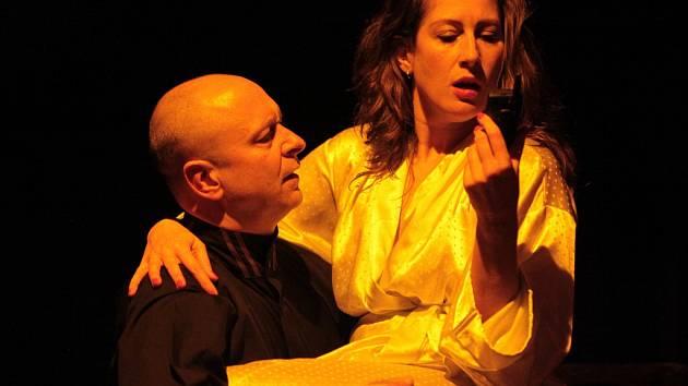 JAKUB ZINDULKA a Olga Ženíšková v tragikomedii Play Macbeth
