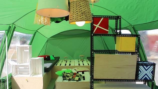 Výstava Nomádi na nádvoří DEPO2015.