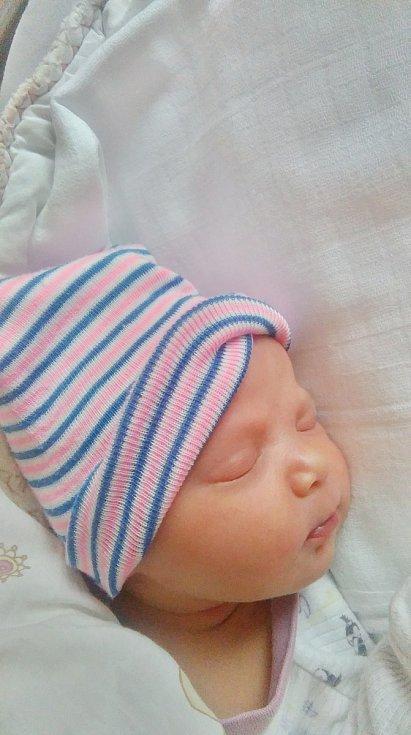 Amálie Pechanová se narodila 6. května v17:11 mamince Veronice a tatínkovi Ondřejovi zPlzně. Po příchodu na svět vplzeňské FN vážila jejich dcerka 2820 gramů a měřila 49 centimetrů.