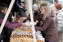 Farmářské trhy v Mlýnské strouze v Plzni