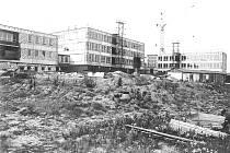 Výstavba kaznějovské školy v letech 1974 - 1977.