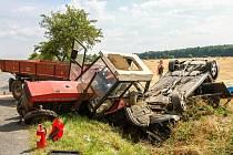 Následky dopravní nehody nedaleko Dolců u Přeštic.