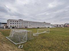 Fotbalové hřiště v blízkosti areálu TJ Lokomotiva Plzeň