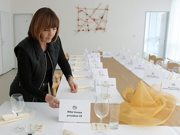 Příprava na návštěvu prezidenta ve Vyšší odborné škole a Střední průmyslové škole elektrotechnické Plzeň