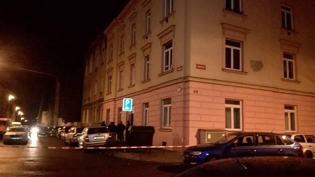 Policie místě činu v Radobyčické ulici v Plzni v noci uzavřela