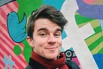 Známý youtuber Kovy, civilním jménem Karel Kovář, je ambasadorem výstavy Jak se točí peníze.