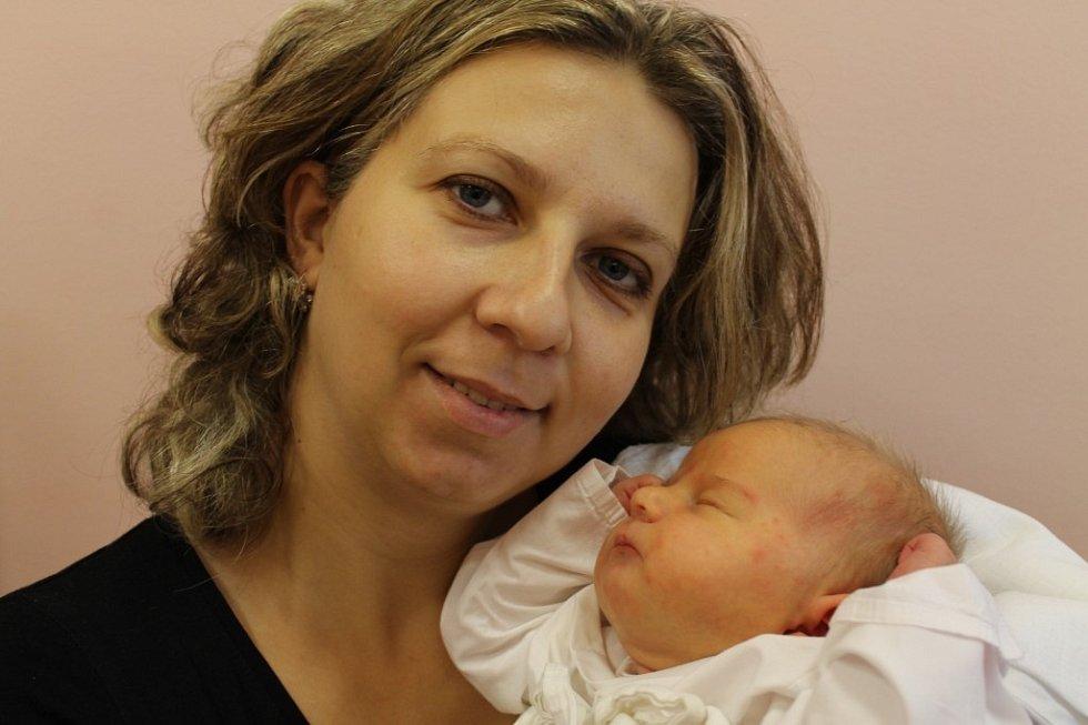 Rodiče Vladislava a Robert Roubovi z Plzně se radují z narození dcery Julie (4,31 kg, 51 cm), která  přišla na svět 10. 10. v 9:16 ve FN v Plzni. Doma se na sestřičku  těší sourozenci Jakub (5) a Kristýna (2)