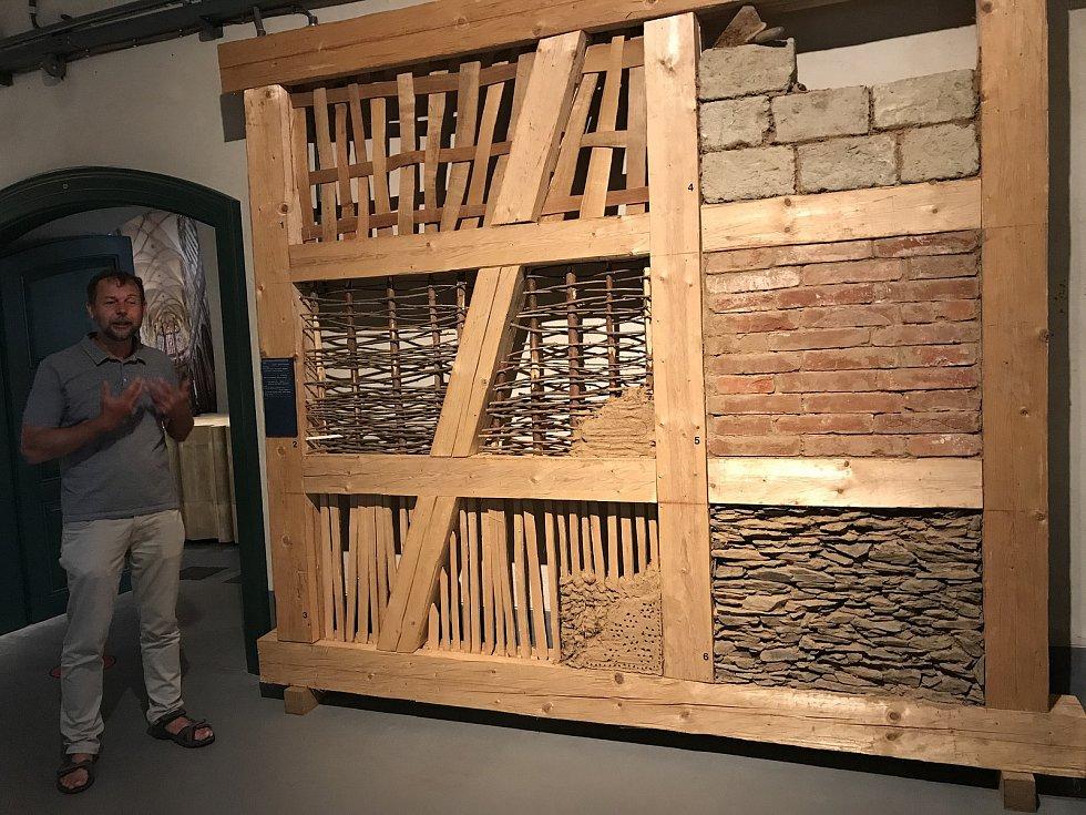 V muzeu se návštěvníci mj. dozvědí, jak se vyvíjely stavební techniky.