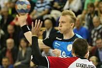 Plzeňský házenkář Jakub Tonar na snímku z nedělního domácího utkání Poháru EHF proti Poreči.