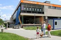 Nejviditelnější změnou na Doubravce je asi opravený Obchodní dům Centrum Doubravka, rekonstrukcí prošel loni