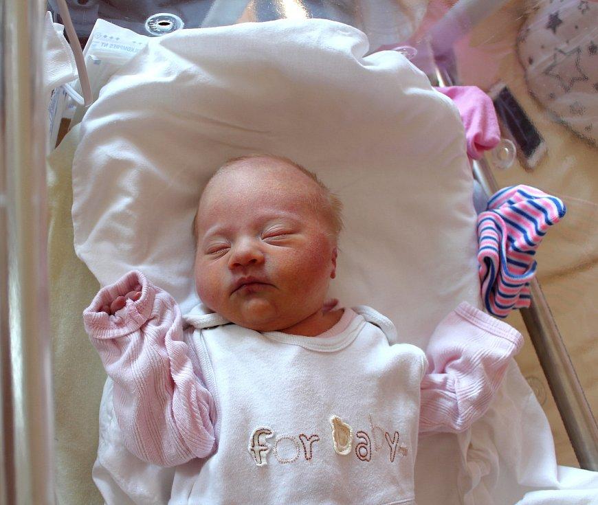 Anna Ulmová z Plzně se narodila v porodnici na Lochotíně 5. září ve 22:58 hodin (2640 g). To, že jejich prvorozené miminko bude holčička, věděli rodiče Ivana a František dopředu.
