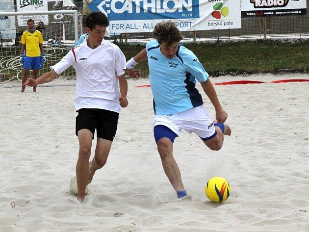 Fotbalisté Plzeň teamu (vpravo Tomáš Peteřík) si v sobotu vybojovali postup do finálového klání Českého poháru