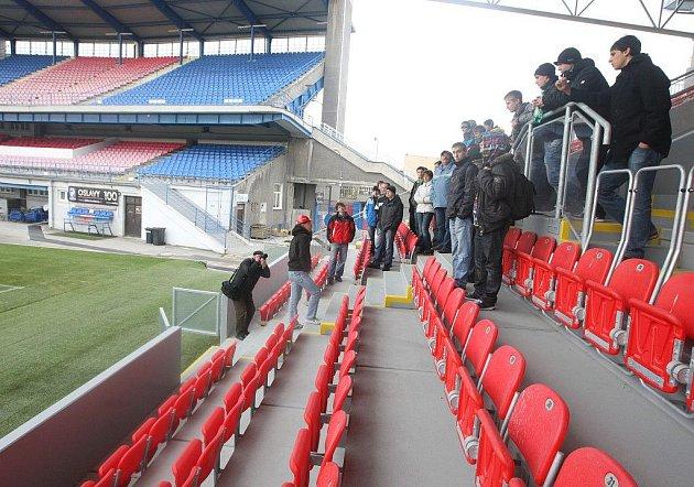 V rámci stavebního veletrhu FINPEX se provázelo i téměř dokončeným fotbalovým areálem ve Štruncových sadech. Právě Městský stadion byl pro Plzeňany největším lákadlem