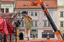 Stavba kolotoče pokračuje