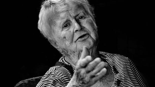Ženy všech generací zmapoval mladý amatérský fotograf z Plzně Zbyněk Raboň. Výstava snímků odstartuje 4. února v prostorách Západočeského muzea.