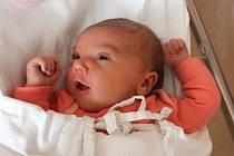 Justýna Matoušková se narodila 10. února v 10:02 rodičům Martině a Jakubovi z Plas. Po příchodu na svět ve FN na Lochotíně vážila sestřička Kubíka (5) 4550 gramů a měřila 52 centimetrů.