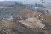 Zemní práce v koterovském lomu cennou lokalitu úplně zničily