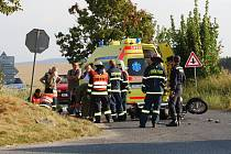 Čtvrteční tragická nehoda motorky a osobního auta u Žichlic
