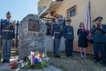 Sedm letců z Plzně Karlova má svůj pomník