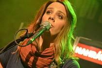 Aneta Langerová během koncertu v Divadle pod lampou