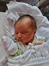 Adéla Chocholoušková se narodila 7. srpna ve 12:17 mamince Sandře a tatínkovi Lukášovi z Plzně. Po příchodu na svět v plzeňské FN vážila jejich prvorozená dcera 3730 gramů a měřila 52 centimetrů