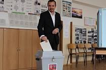 Lídr kandidátky TOP 09 v Plzeňském kraji odvolil v pátek v 15 hodin na 11. základní škole v Plzni